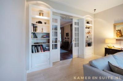 Jaren '30 kamer en suite met open kasten